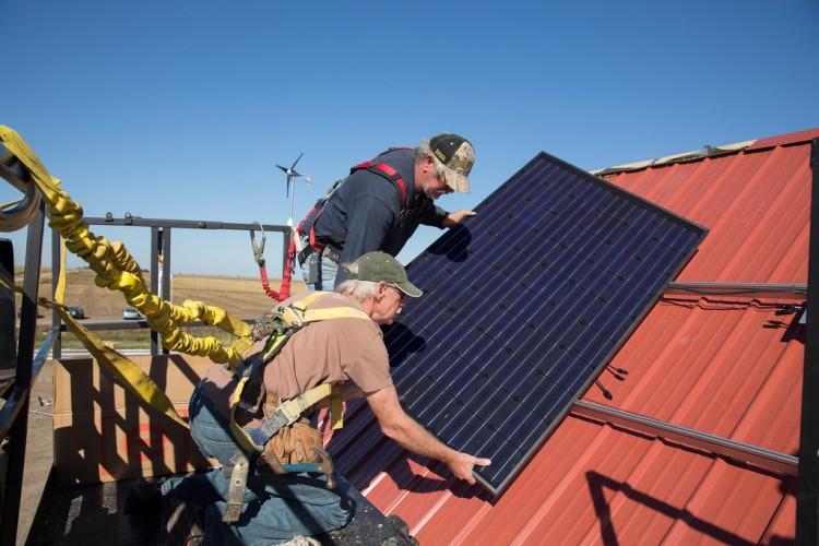 solar-barn-panels