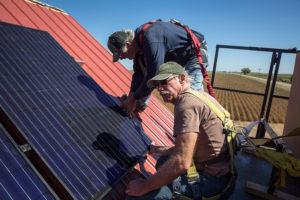 barn_solar_installation