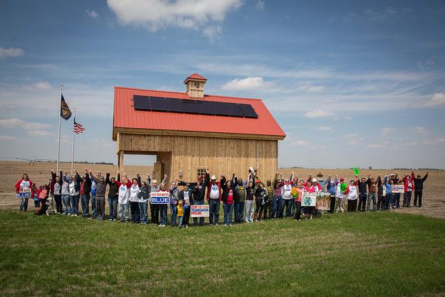 hands-barn-solar