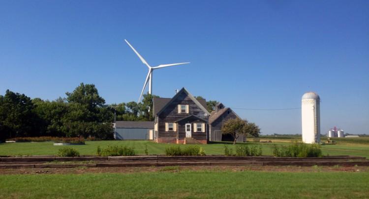 iowa-turbine-farmhouse-2