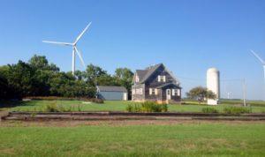 iowa-turbines-farmhouse